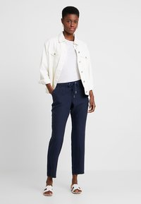 s.Oliver - HOSE - Trousers - navy - 1
