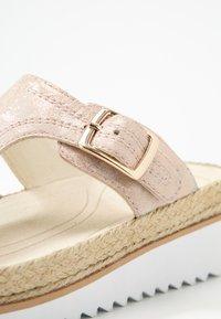 Gabor - Sandály s odděleným palcem - rame - 2