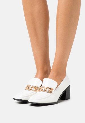 OLINDA - Classic heels - white