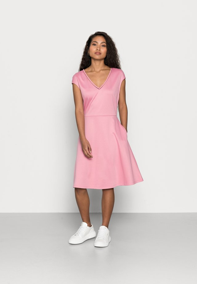 VITINNY DRESS PETITE - Jerseyjurk - misty rose