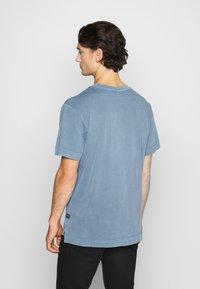 G-Star - REFLECTIVE LOGO LOOSE OD R T S\S - T-shirt med print - blue - 2