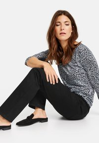 Gerry Weber Edition - Trousers - black - 2