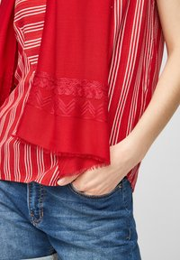 s.Oliver - Scarf - red - 2