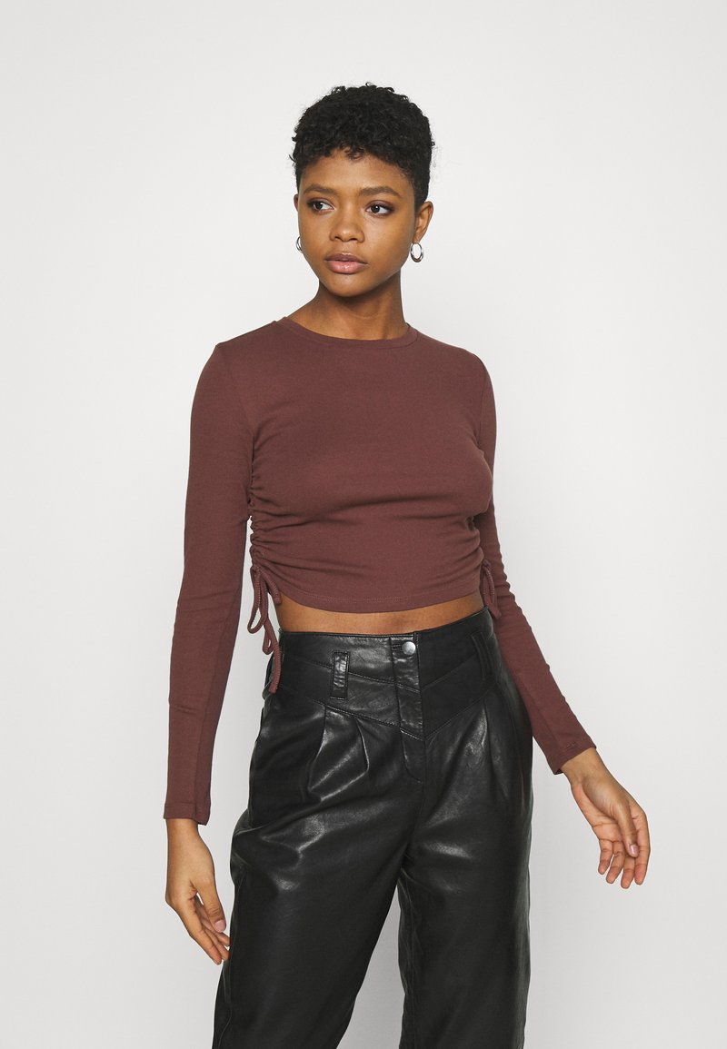 BDG Urban Outfitters - RUCHED  - Long sleeved top - choc