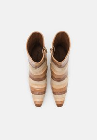 Jeffrey Campbell - LAYOVER - Classic ankle boots - nude/multicolor - 5