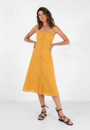 Day dress - mandarine