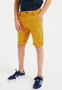 WE Fashion - Shorts - yellow - 1