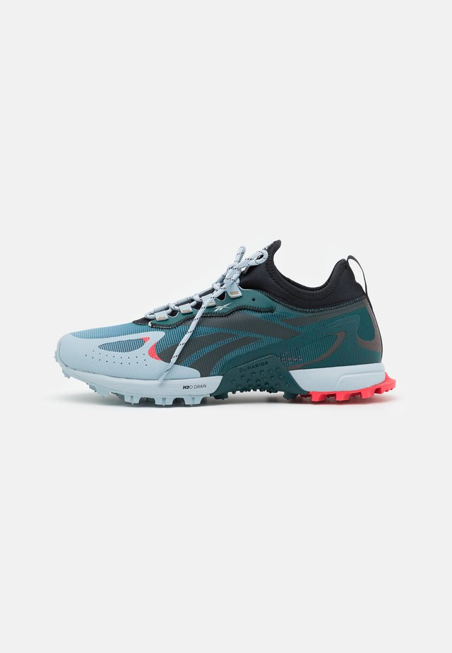 AT CRAZE ADVENTURE - Trail running shoes - gable grey/midnight pine/black