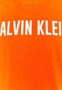 Calvin Klein Performance - T-shirt print - danger orange - 2