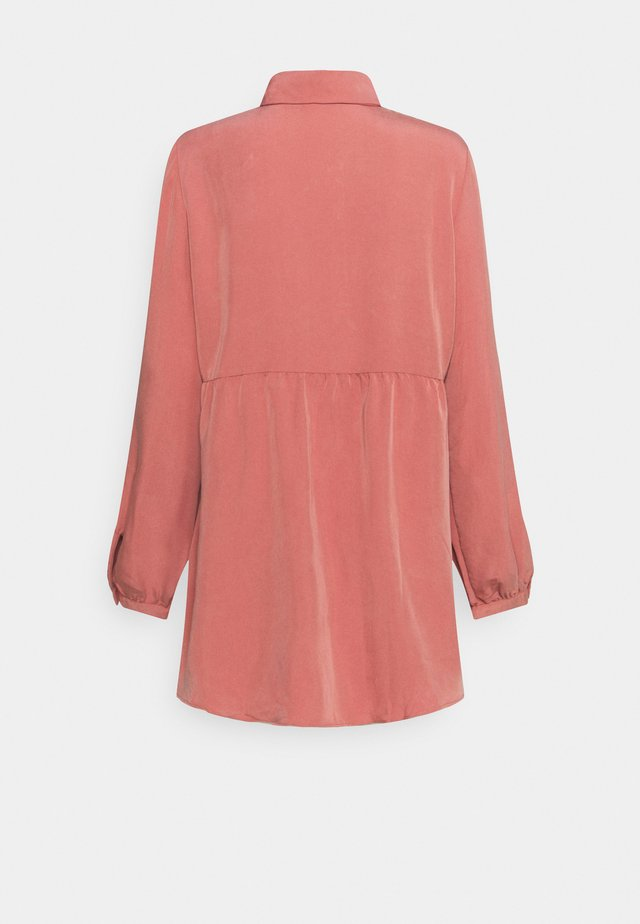 LANGARM - Skjortebluser - light pink