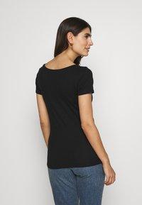 Anna Field - 2ER PACK  - Basic T-shirt - burgundy_black - 2