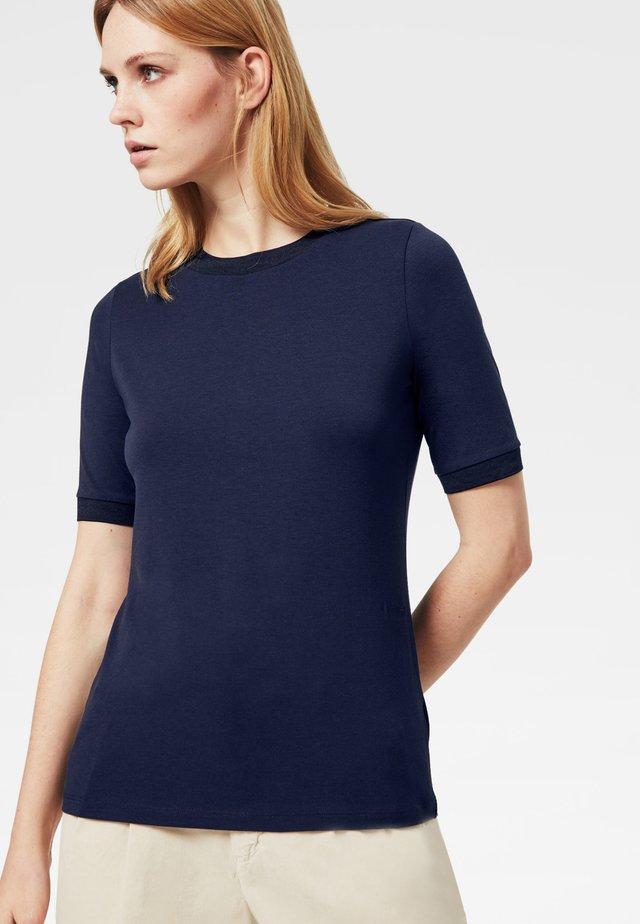 ALEXI - Jednoduché triko - navy-blau