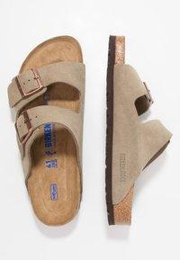 Birkenstock - ARIZONA SOFT FOOTBED NARROW FIT - Sandaler - taupe - 2