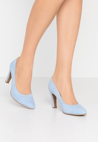 Brenda Zaro Wide Fit - WIDE FIT BIBI - Escarpins à talons hauts - baby blue - 0