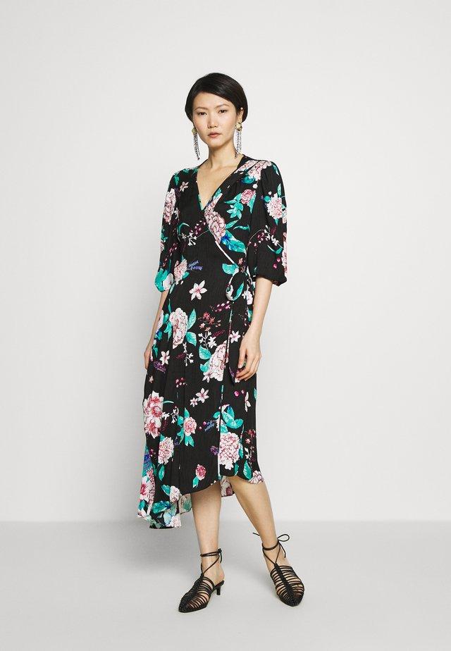 AUDRINA - Robe d'été - lilac/black