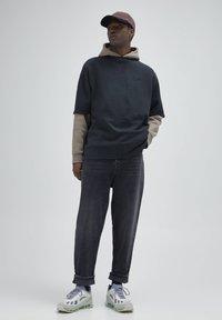 PULL&BEAR - Straight leg -farkut - mottled dark grey - 1