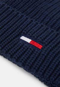 Tommy Jeans - BASIC FLAG BEANIE UNISEX - Muts - blue - 2