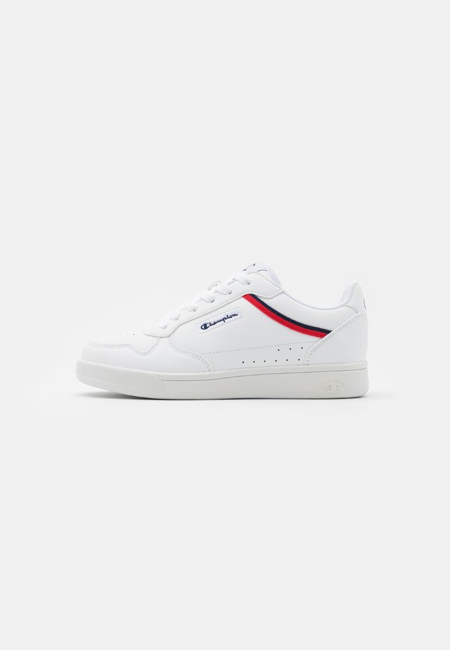LOW CUT SHOE NEW COURT - Sports shoes - white/red