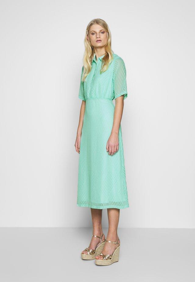 ANCELIN DRESS - Shirt dress - yucca