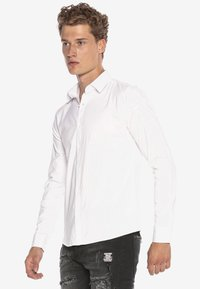 Cipo & Baxx - HECTOR - Formal shirt - weiss - 4