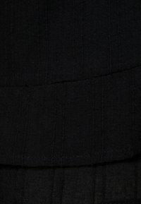 Cotton On - SASHA FRILL MINI SKIRT - Miniskjørt - black - 2