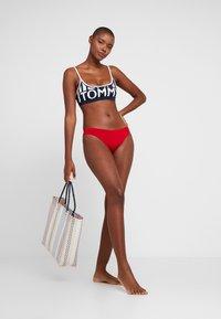 Tommy Hilfiger - BLOCK BRALETTE - Bikini top - navy blazer - 1