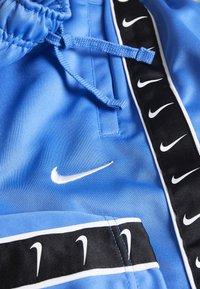 Nike Sportswear - TAPE - Shorts - pacific blue - 3