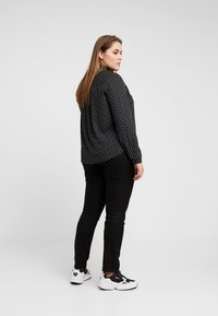 New Look Curves - HEART PRINT - Bluser - black - 2