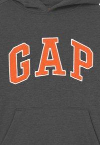 GAP - BOY NEW CAMPUS LOGO HOOD - Sweatshirt - charcoal grey - 2