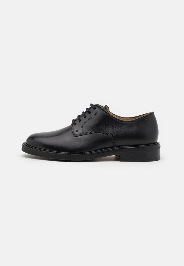 DERBY SMART - Eleganckie buty - black