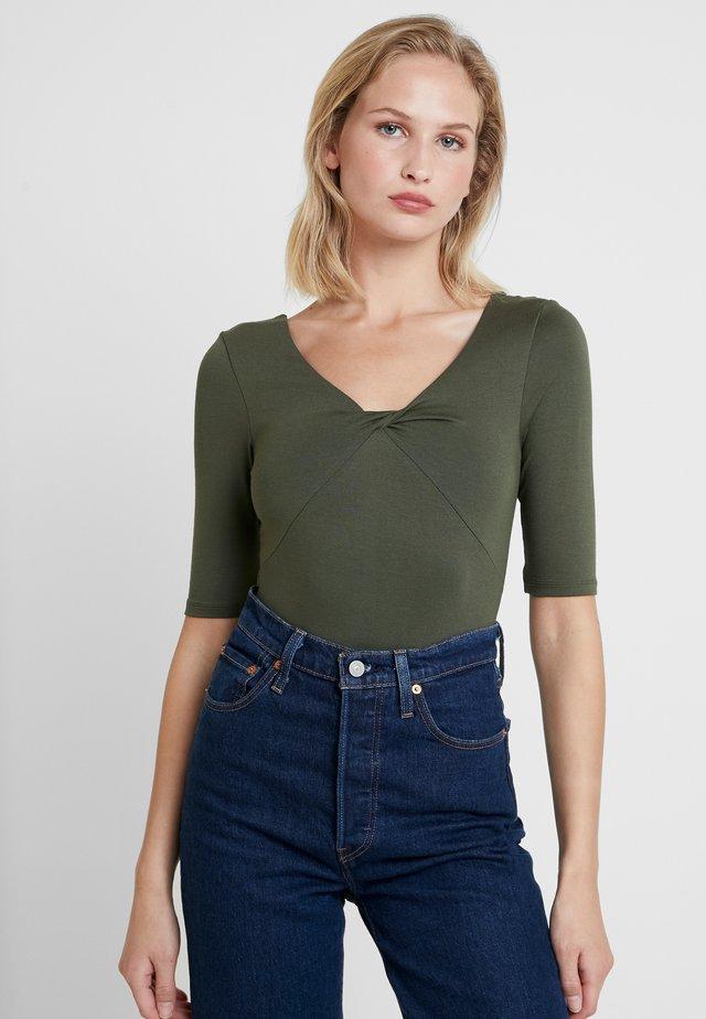 BODYSUIT - T-shirt z nadrukiem - khaki