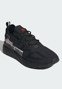 adidas Originals - ZX 2K BOOST SHOES - Trainers - black - 2