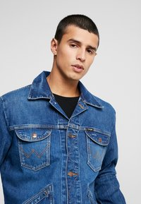 Wrangler - Jeansjacka - blue denim - 4