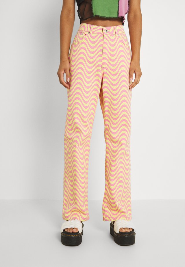 WAVE - Relaxed fit jeans - pink/yellow
