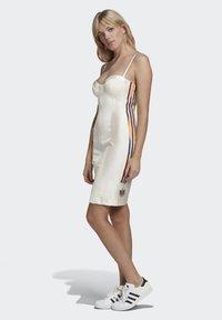 adidas Originals - PAOLINA RUSSO COLLAB SPORTS INSPIRED SLIM DRESS - Sukienka etui - chalk white - 1
