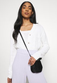 Cotton On - TWO BECOME ONE CARDI CAMI SET - Cardigan - white - 6