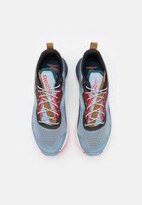 Reebok - FLOATRIDE ENERGY 3.0 ADVENTURE - Zapatillas de trail running - gable grey/midnight pine/neon cherry - 3