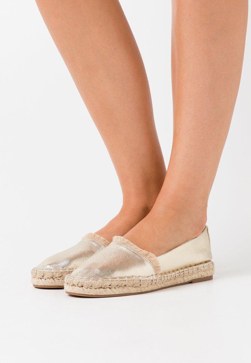 PARFOIS - Loafers - gold