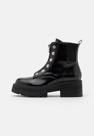 MILLICENT - Platåstøvletter - black