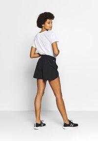 New Balance - ACCELERATE - Pantalón corto de deporte - black - 2