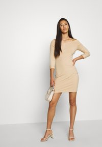 Even&Odd - BASIC - OFF-SHOULDER MINI LONG SLEEVES DRESS - Etuikjole - cuban sand - 1