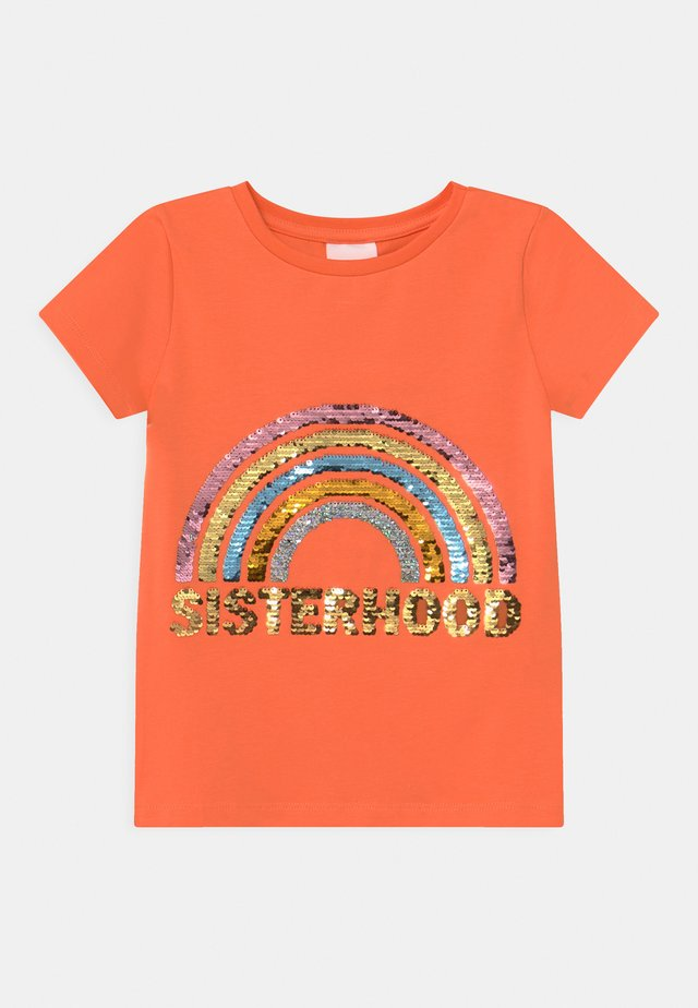 THEODORA  - T-shirt imprimé - nectarine