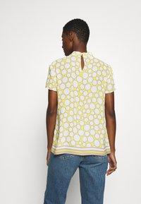 s.Oliver BLACK LABEL - Blouse - light yellow - 2