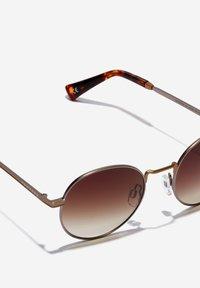 Hawkers - MOMA - Sunglasses - gold - 2