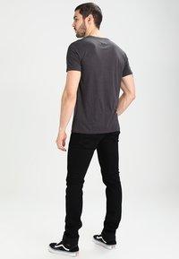 Tommy Jeans - ORIGINAL TRIBLEND REGULAR FIT - Camiseta básica - tommy black - 2