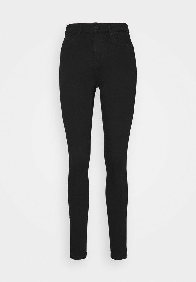 VMTILDE ANKLE ZIP - Slim fit jeans - black denim