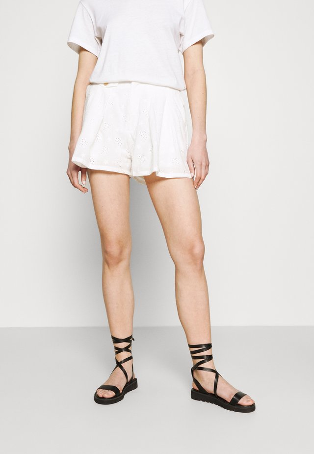 YOUNG LADIES WOVEN  - Shorts - white
