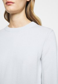 CLOSED - WOMEN´S - Jumper - arctic ice