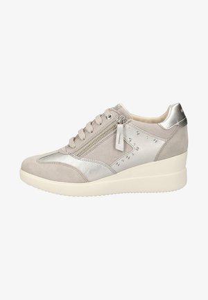 Sneakers laag - lt grey c1010