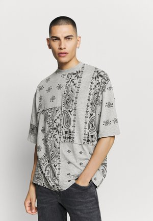 CUT AND SEW PAISLEY TEE - T-shirt con stampa - grey
